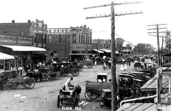 Downtown Elgin, Texas 1916 (source: Elgin Depot Museum)